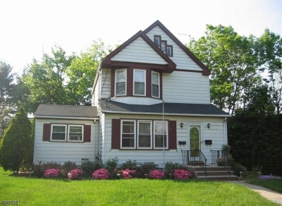 Springfield Twp. Single Family Home For Sale: 94 Taft Ln