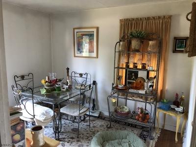 Woodbridge Twp. Single Family Home For Sale: 22 Livingston Ave