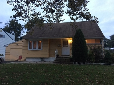 Roselle Boro Single Family Home For Sale: 14 Colonial Rd