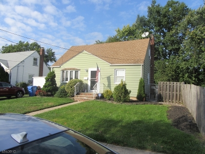 Woodbridge Twp. Single Family Home For Sale: 205 Midfield Rd