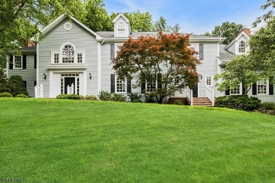Chatham Twp. Single Family Home For Sale: 10 Cobblestone Ct