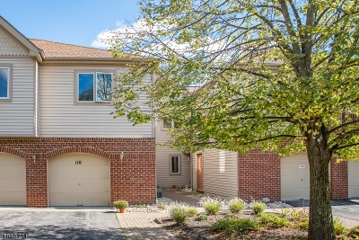 Hanover Twp. Condo/Townhouse For Sale: 110 Sunrise Dr