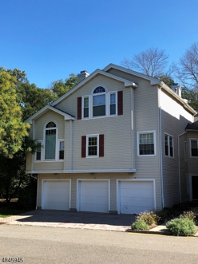 Morris Twp. Condo/Townhouse For Sale: 80 Witherspoon Ct #80