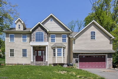 West Orange Twp. Single Family Home For Sale: 21 Winding Way