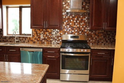 Edison Twp. Single Family Home For Sale: 945 Inman Ave