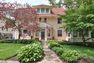 Nutley Twp. Single Family Home For Sale: 21 Edgewood Ave