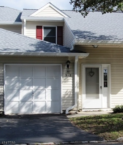 East Hanover Twp. Condo/Townhouse For Sale: 5 Dara Dr