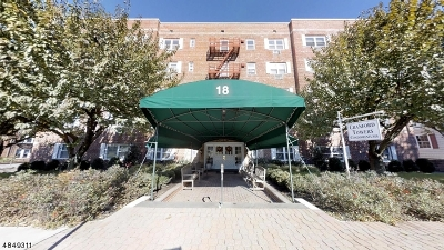 Cranford Twp. Condo/Townhouse For Sale: 18 Springfield Ave Apt 1c