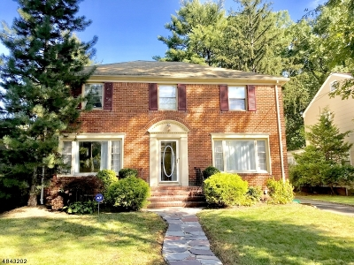 Maplewood Twp. Single Family Home For Sale: 5 Plymouth Pl