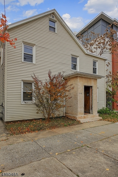 RAHWAY Single Family Home For Sale: 249 Central Ave