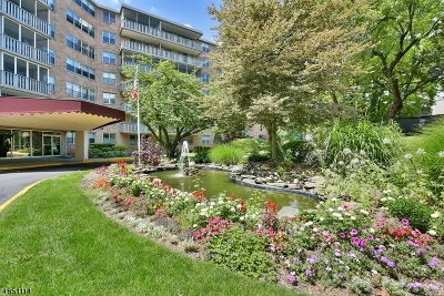 Montclair Twp. Condo/Townhouse For Sale: 530 Valley Rd C002k #2K