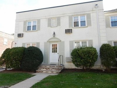 Cranford Twp. Condo/Townhouse For Sale: 29b Parkway Vlg