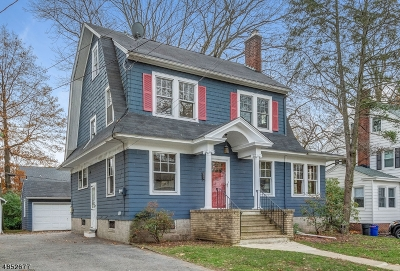 Maplewood Twp. Single Family Home For Sale: 100 Oakland Rd