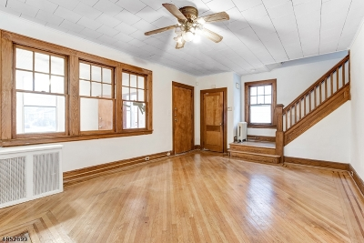 Maplewood Twp. Single Family Home For Sale: 42 Orchard Rd