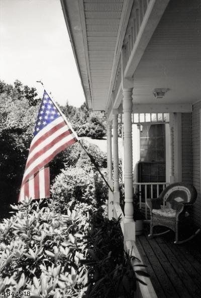 Roxbury Twp. Single Family Home For Sale: 1 Country Lane