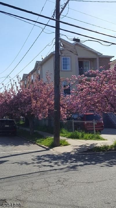 Elizabeth City Multi Family Home For Sale: 417 Chilton St #2