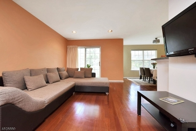 Denville Twp. Condo/Townhouse For Sale: 1112 Worthington Ct