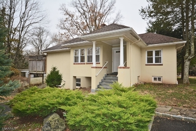 WATCHUNG Single Family Home For Sale: 636 Valley Rd