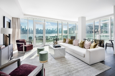 Weehawken Twp. Condo/Townhouse For Sale: 800 Port Imperial Blvd #302