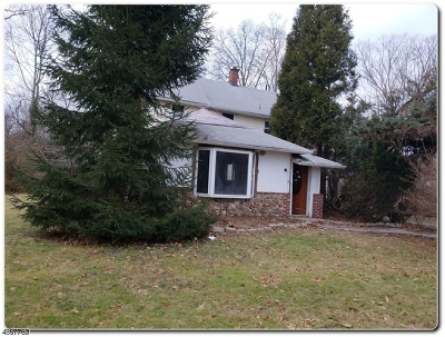 West Orange Twp. Single Family Home For Sale: 2 Crestmont Rd