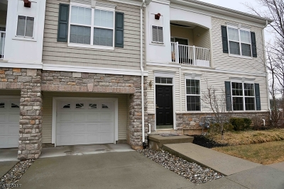 Hanover Twp. Condo/Townhouse For Sale: 1608 Brook Hollow Dr