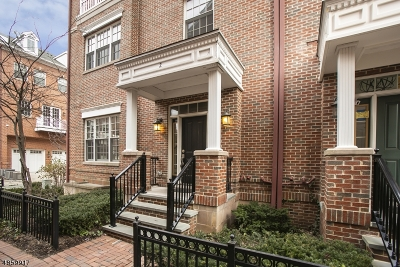 Livingston Twp. Condo/Townhouse For Sale: 2 Bellcourt Pl