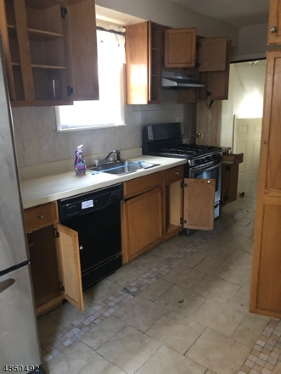 Hillside Twp. Single Family Home For Sale: 1465 Parkview Ter