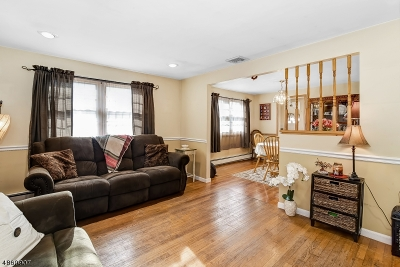 Scotch Plains Twp. Single Family Home For Sale: 2315 Longfellow Ave