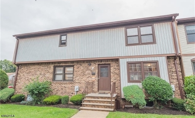 Woodbridge Twp. Condo/Townhouse For Sale: 2 Highview Dr