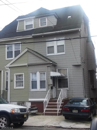 Single Family Home For Sale: 23 Howard Pl