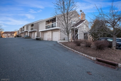 Union Twp. Condo/Townhouse For Sale: 18 Cross Way