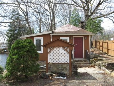 Parsippany-Troy Hills Twp. Single Family Home For Sale: 1 Fox Hill Rd