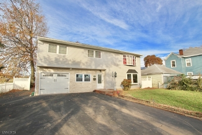 Woodbridge Twp. Single Family Home For Sale: 81 Commercial Ave