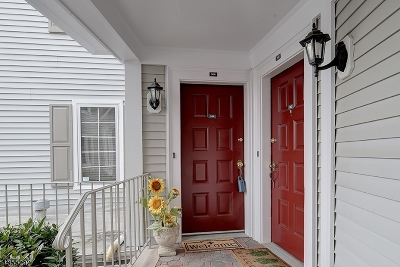 Chatham Twp. Condo/Townhouse For Sale: 144 Terrace Dr #144