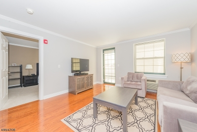 Morristown Town Condo/Townhouse For Sale: 7 Prospect St. 707 #707
