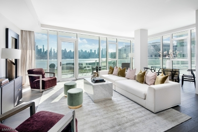 Weehawken Twp. Condo/Townhouse For Sale: 800 Port Imperial Blvd #721