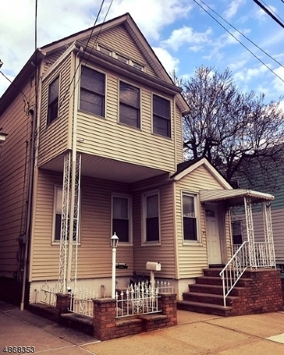 Elizabeth City Multi Family Home For Sale: 433 3rd Ave