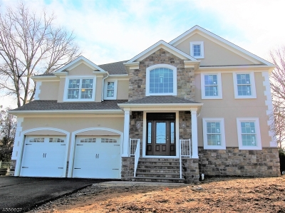 East Brunswick Twp. Single Family Home For Sale: 11 Lawrence Brook Dr