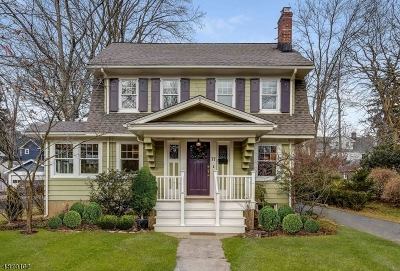 Maplewood Twp. Single Family Home For Sale: 77 Tuscan Rd