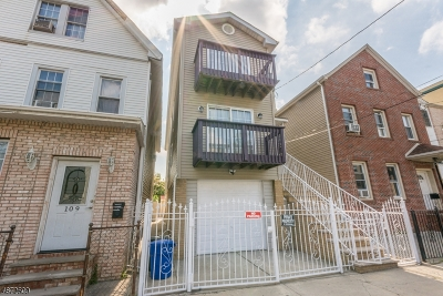 Elizabeth City Multi Family Home For Sale: 107 Division St