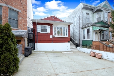 Jersey City Single Family Home For Sale: 103 Leonard St