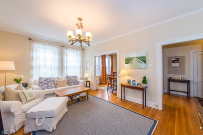 Morristown Town Condo/Townhouse For Sale: 2 Altamont Ct Apt 22