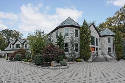 Woodbridge Twp. Single Family Home For Sale: 124 Chelsea Ln