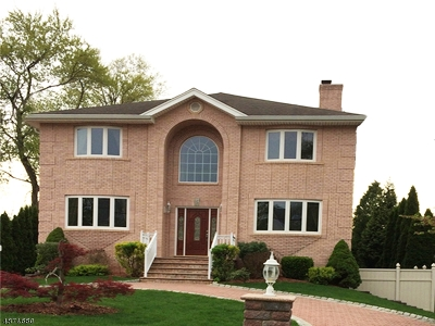 East Hanover Twp. Single Family Home For Sale: 24 Grove Ave