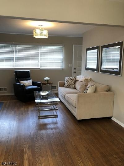 Livingston Twp. Single Family Home For Sale: 24 Lee Rd