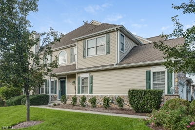 Livingston Twp. Condo/Townhouse For Sale: 12 Champion Blvd