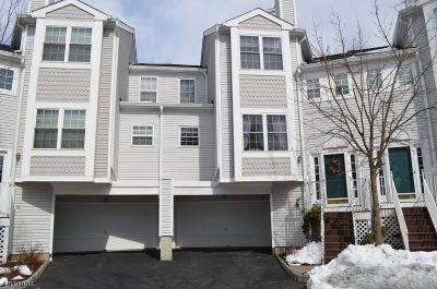 Hanover Twp. Condo/Townhouse For Sale: 1608 Northcrest Ter