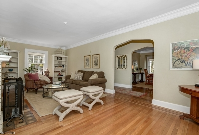 Maplewood Twp. Single Family Home For Sale: 26 Arcularius Ter