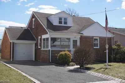 LINDEN Single Family Home For Sale: 437 Birchwood Rd
