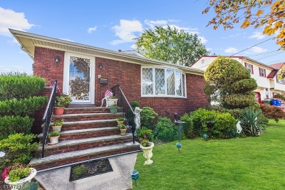 Perth Amboy City Single Family Home For Sale: 1096 Andrews Dr